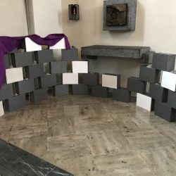 Klagemauer in der Kirche